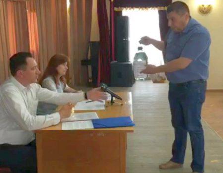 """""""Дніпро-Кіровоград"""" провело лабораторне дослідження """"води з присмаком корупції"""""""