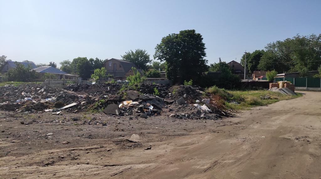 У Кропивницькому під житловий масив кілька років звозять будівельне сміття. ФОТО - 4 - Події - Без Купюр