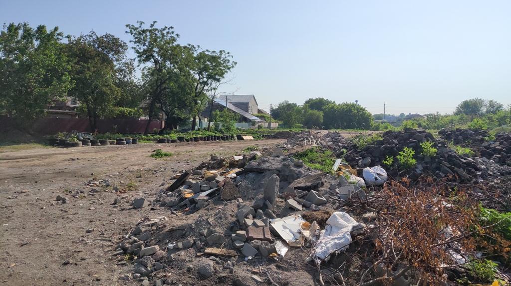 У Кропивницькому під житловий масив кілька років звозять будівельне сміття. ФОТО - 3 - Події - Без Купюр