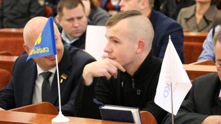 Депутат міськради Кропивницького склав повноваження, йде до ЗСУ