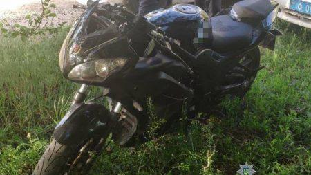 Патрульні виявили у селищі Новому крадений мотоцикл. ФОТО