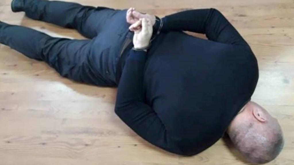 Оперуповноважений, якого ловила СБУ, судиться за поновлення на посаді і стягнення моральної шкоди - 1 - Корупція - Без Купюр