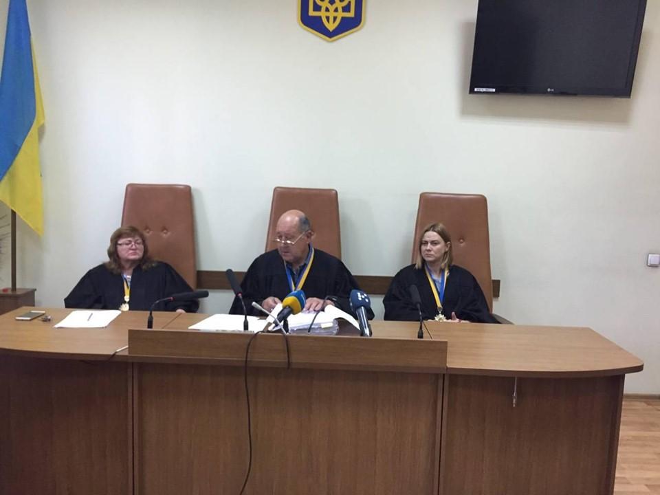 Захист обвинуваченої у вбивстві доньки вимагає повторної експертизи доказів - 2 - Кримінал - Без Купюр