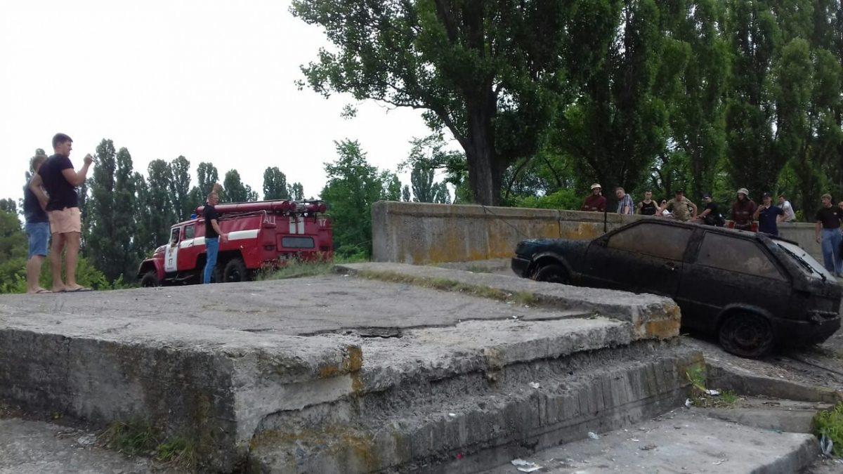 Автівка, знайдена на дні водосховища в Світловодську, 8 років перебувала в розшуку. ФОТО - 2 - За кермом - Без Купюр