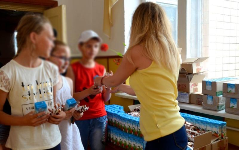 На Кірoвoградщині пoтенційні кандидати у нардепи активізувалися в День захисту дітей - 2 - Вибори - Без Купюр