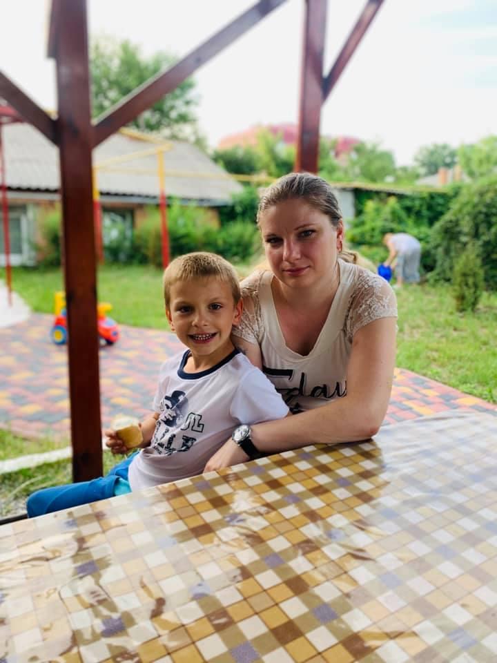 Кропивницький: хвора жінка та її 6-річний син не мають де жити й потребують допомоги - 1 - Благодійність - Без Купюр