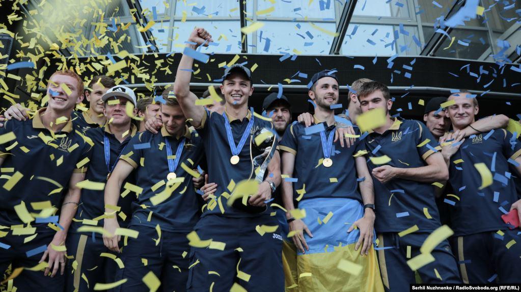 За перемогу на ЧС-2019 двоє гравців «Олександрії» отримали звання Майстра спорту міжнародного класу - 3 - Події - Без Купюр