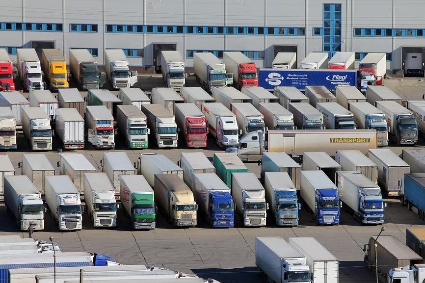 Без Купюр У Кропивницькому будують паркінг для вантажівок на 150 місць За кермом  паркінг Кропивницький Кернел