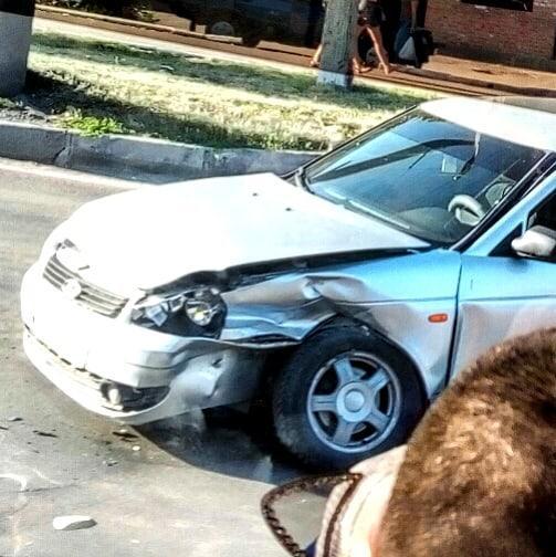 Без Купюр У Кропивницькому зіштовхнулись автівки ВАЗ, є постраждалий. ФОТО За кермом  поліція Кропивницький ДТП