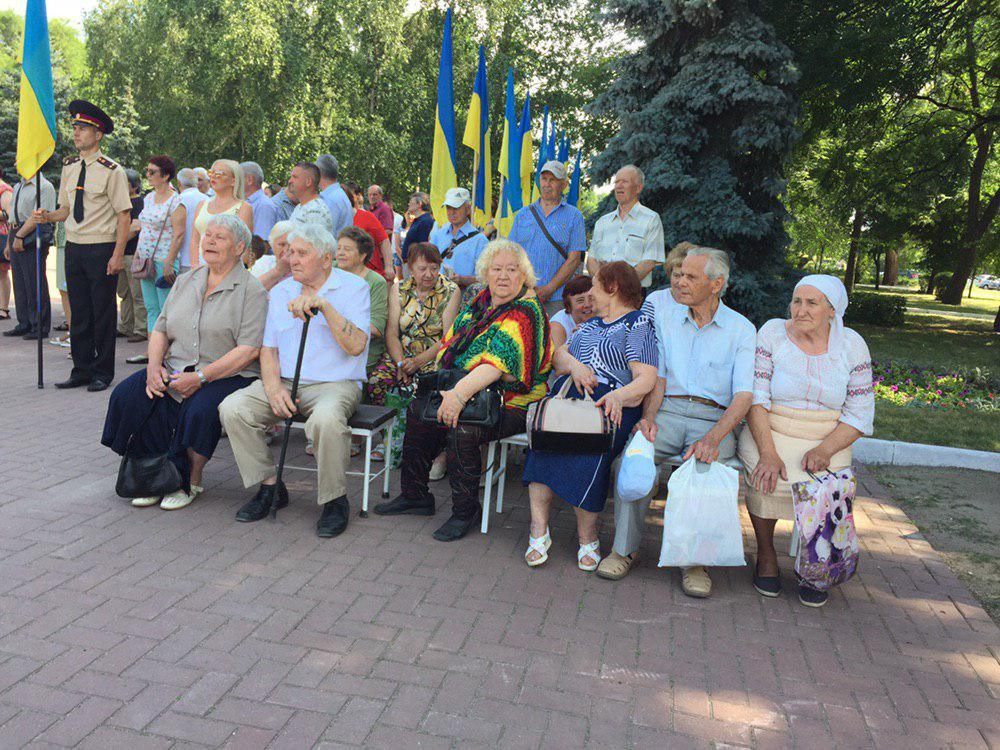 У Кропивницькому вшанували пам'ять загиблих у Другій Світовій війні. ФОТО - 5 - Події - Без Купюр