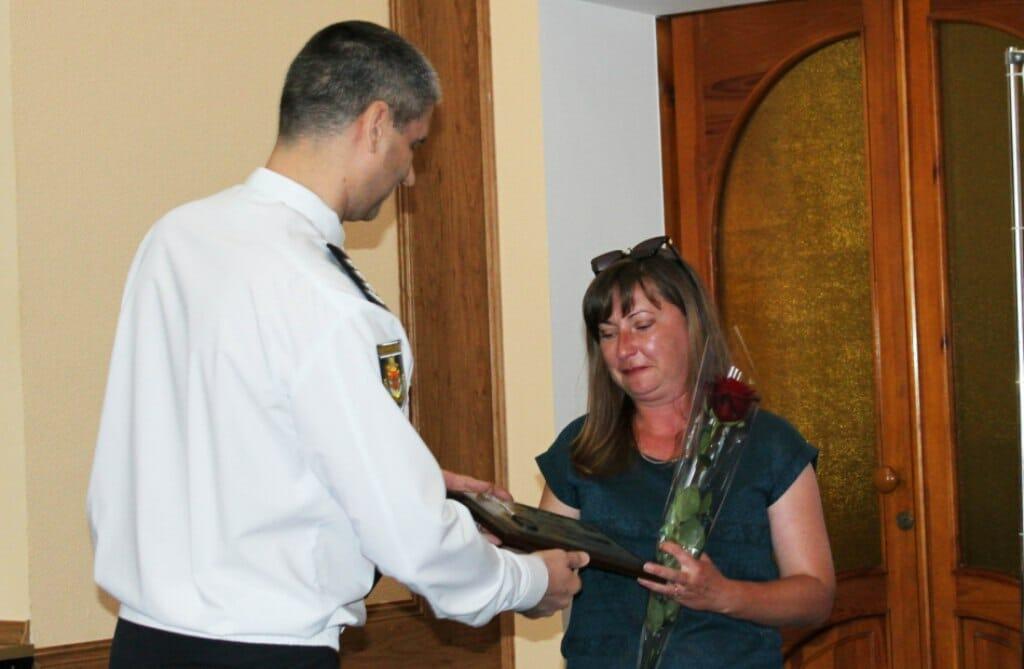 Жителька Кіровоградщини допомогла впіймати шахрая
