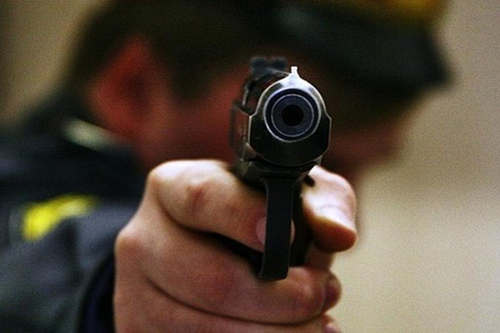 Житель Кропивницького влаштував стрілянину в супермаркеті - 1 - Кримінал - Без Купюр