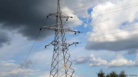 Населені пункти 12 районів області залишились без світла через негоду