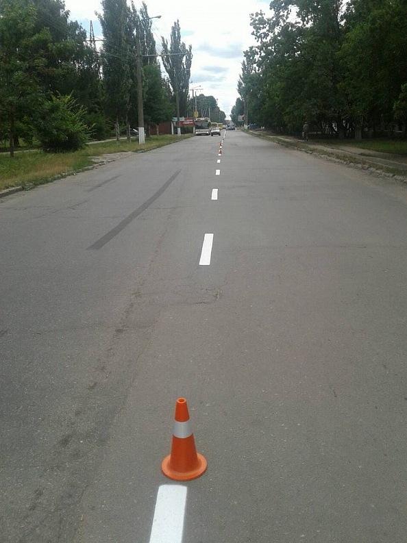 Без Купюр У Кропивницькому поновлюють дорожню розмітку Транспорт  розмітка ремонт Кропивницький дорога