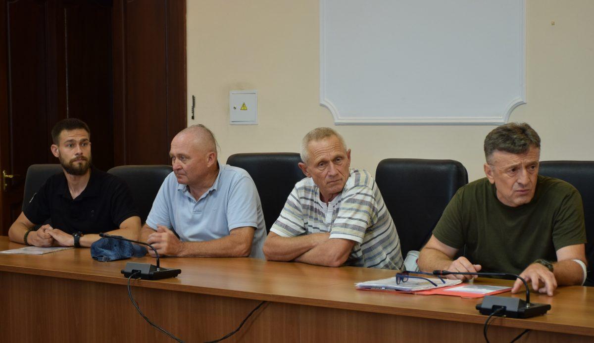 Чотирьом землякам присвоєно статус учасника-добровольця АТО/ООС - 1 - Війна - Без Купюр
