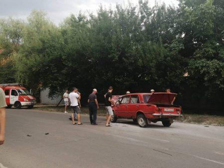 У спальному районі Кропивницького перекинулась автівка. ФОТО