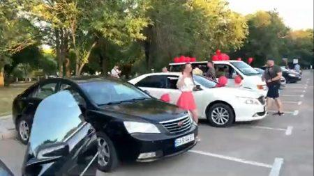 У Кропивницькому відбувся автопробіг на підтримку однієї з партій. ВІДЕО