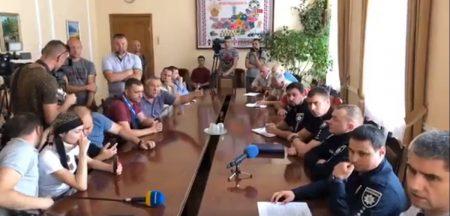 У Кропивницькому відсторонили 4 поліцейських, які ймовірно причетні до побиття померлого водія