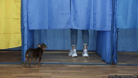 На 12 годину на 4 з 5 округів Кіровоградської області проголосувала майже чверть виборців