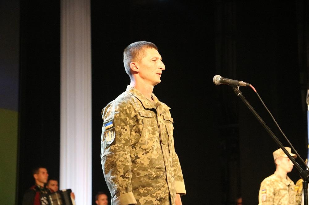 До Кропивницького із зони ООС повернувся 42-й батальйон. ФОТО - 2 - Події - Без Купюр