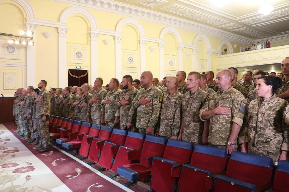 До Кропивницького із зони ООС повернувся 42-й батальйон. ФОТО - 1 - Події - Без Купюр