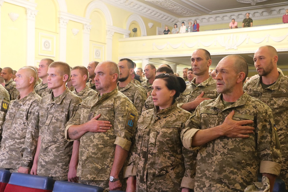 До Кропивницького із зони ООС повернувся 42-й батальйон. ФОТО - 5 - Події - Без Купюр