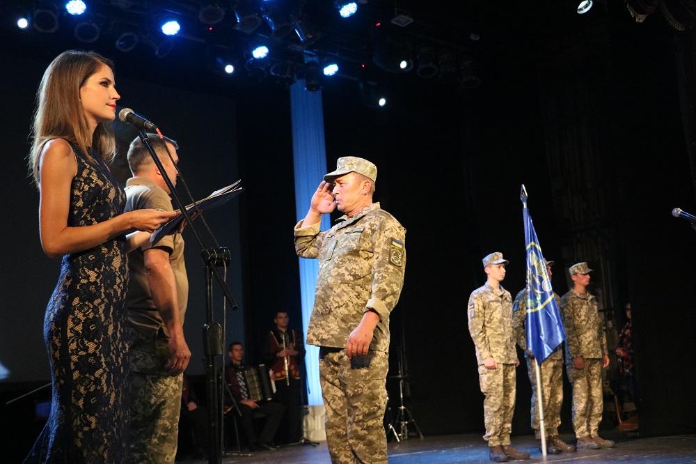 До Кропивницького із зони ООС повернувся 42-й батальйон. ФОТО - 6 - Події - Без Купюр