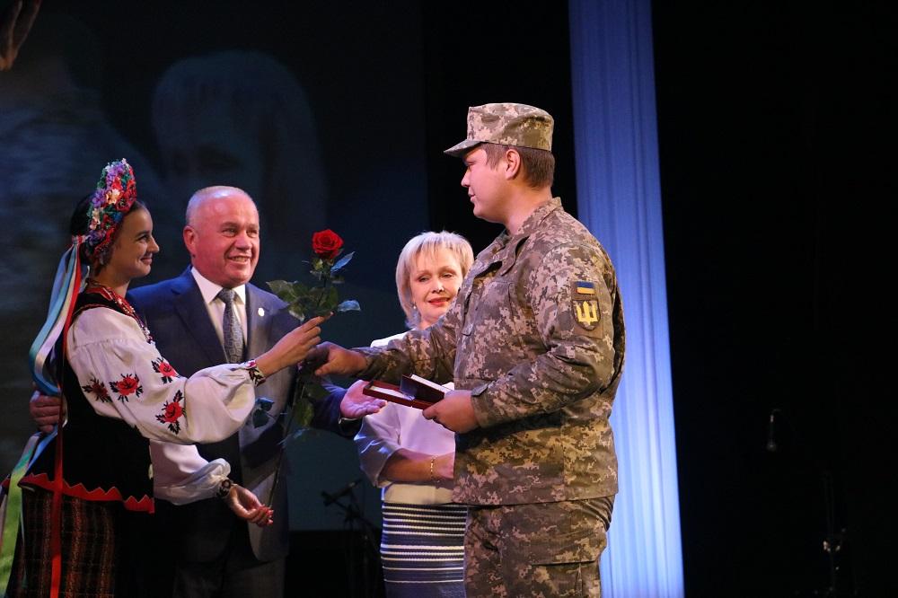 Без Купюр До Кропивницького із зони ООС повернувся 42-й батальйон. ФОТО Події  Кропивницький 42 батальйон