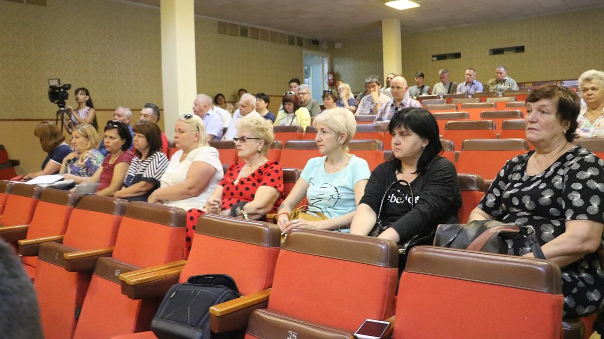 Вже третій член Уряду у відпустці приїхав на Кіровоградщину з агітацією - 2 - Політика - Без Купюр