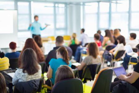 В ОДА повідомили, що в одному з міст області під загрозою початок навчального року