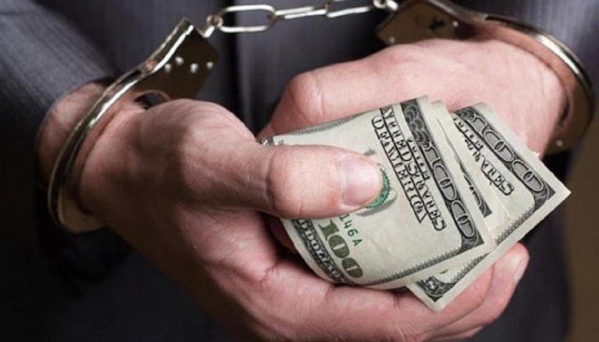 Без Купюр Житель Кіровоградщини відповідатиме в суді за спробу підкупити патрульних Кримінал  хабар суд правопорушення підкуп
