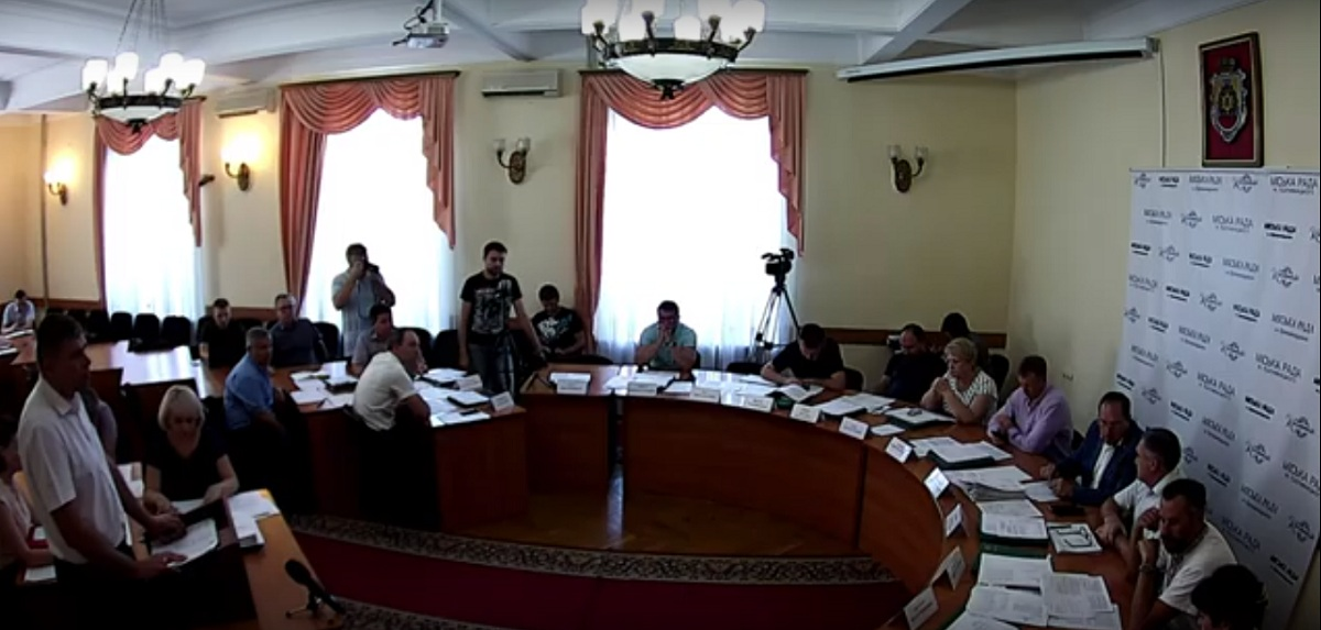 Міський голова Кропивницького відмовився розширювати управління капітального будівництва на 11 чоловік - 1 - Життя - Без Купюр