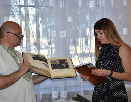 Управління СБУ подарувало кілька експонатів до кімнати-музею «Пам'яті репресованих радянською владою». ФОТО