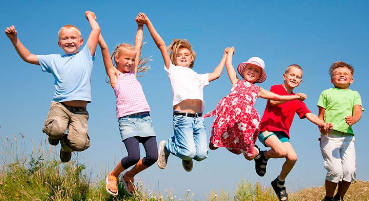 Без Купюр У Малій Висці Колобок популяризуватиме щеплення Життя  Мала Виска дитячий майданчик громадська організація