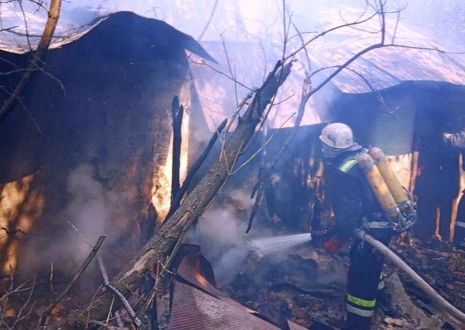 Без Купюр На Кіровоградщині під час пожежі загинула 82-річна бабуся Життя  рятувальники житло бабуся