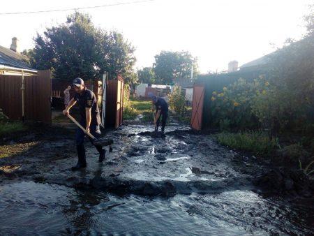 Рятувальники відкачали каналізаційні води по вулиці Херсонській в Кропивницькому