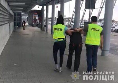 Поліція доставила до суду підозрюваного у вбивстві Діани Хріненко