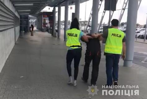 Без Купюр Поліція доставила до суду підозрюваного у вбивстві Діани Хріненко Кримінал  суд Польща Діана Хріненко