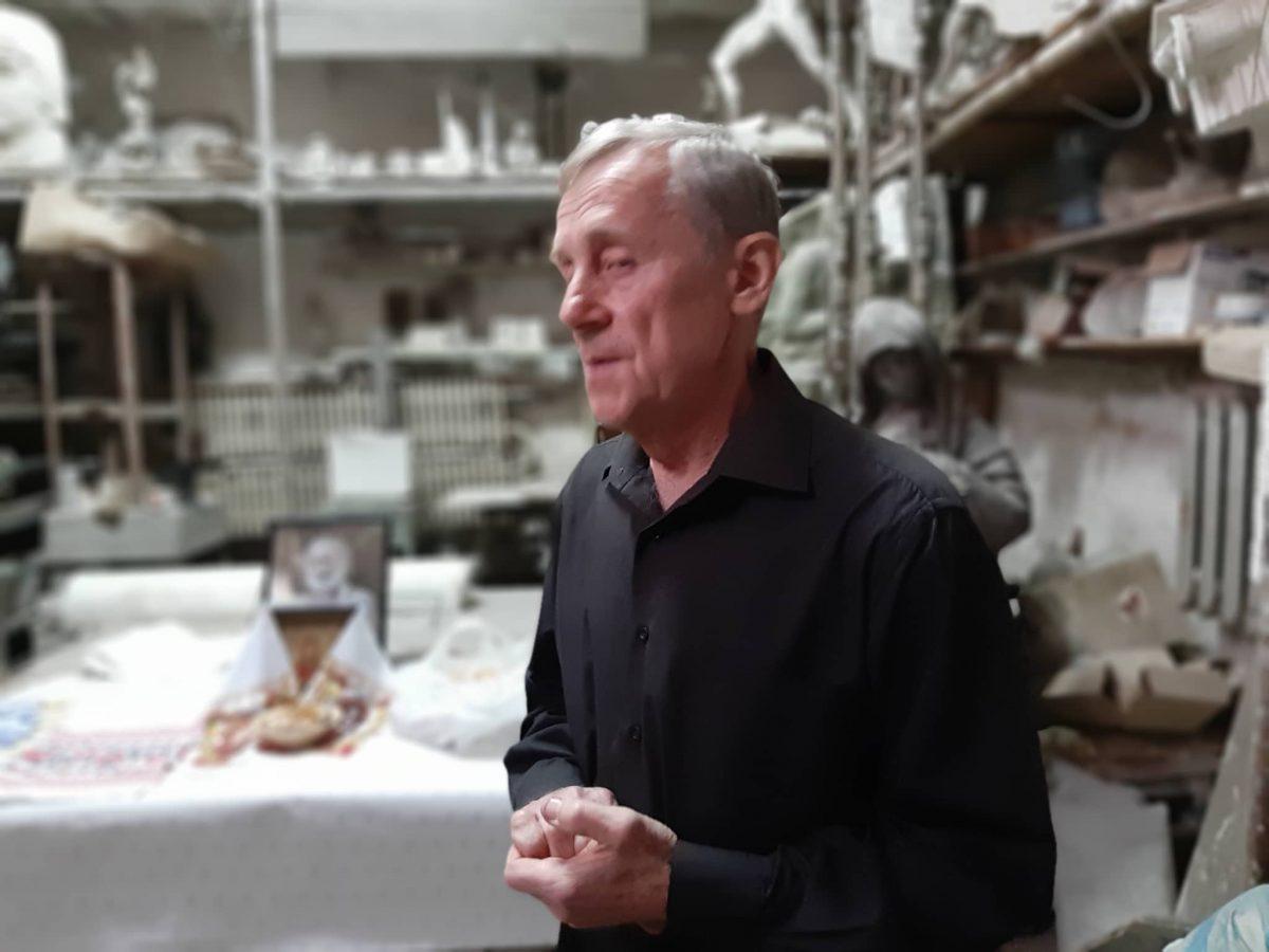 У Кропивницькому попрощались зі скульптором Віктором Френчком. ФОТО - 2 - Життя - Без Купюр