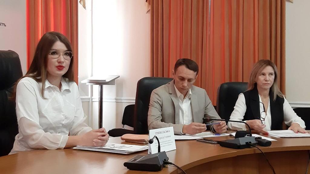 Без Купюр У Кропивницькому розповіли, які загрози можуть викликати позачергові місцеві вибори Політика  Кіровоградщина Децентралізація
