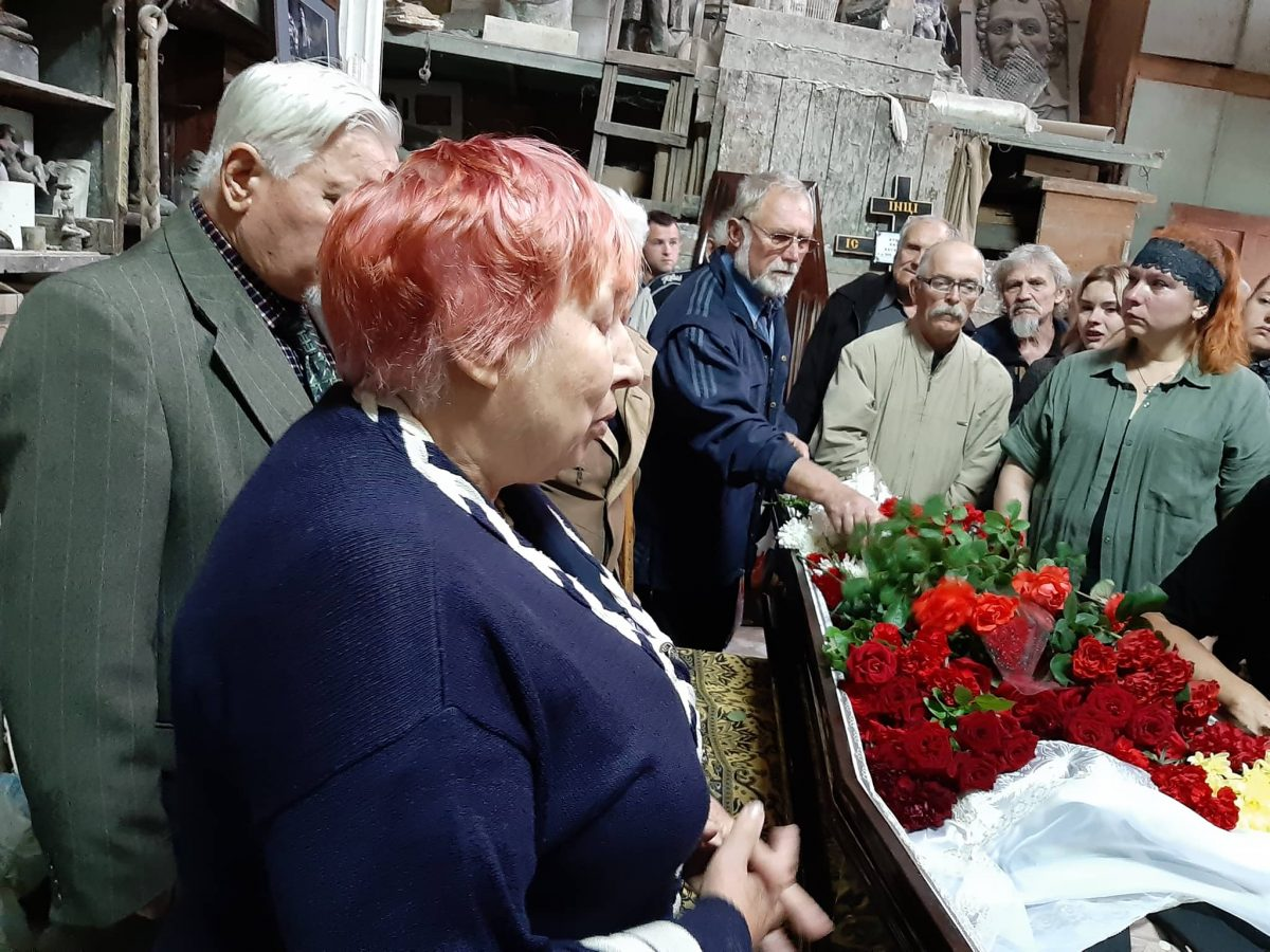 У Кропивницькому попрощались зі скульптором Віктором Френчком. ФОТО - 4 - Життя - Без Купюр