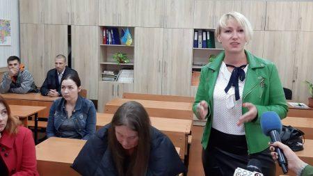 У Кропивницькому батьки оголосили бойкот школі через поведінку однієї з учениць. ФОТО