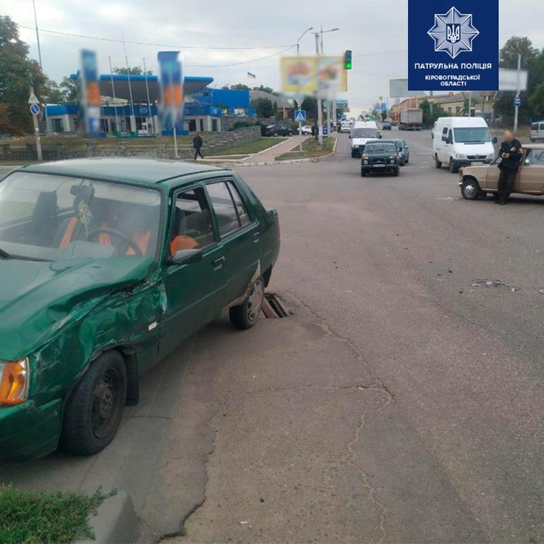 У Кропивницькому водій напідпитку зчинив ДТП. ФОТО - 3 - За кермом - Без Купюр
