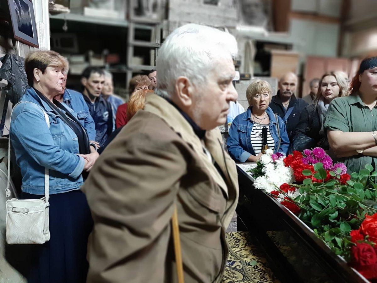 У Кропивницькому попрощались зі скульптором Віктором Френчком. ФОТО - 3 - Життя - Без Купюр