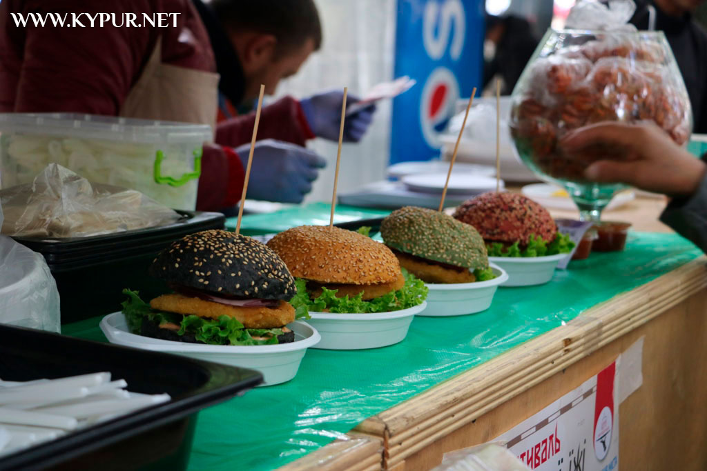У Кропивницькому триває 5-й фестиваль вуличної їжі. ФОТОРЕПОРТАЖ - 15 - Життя - Без Купюр