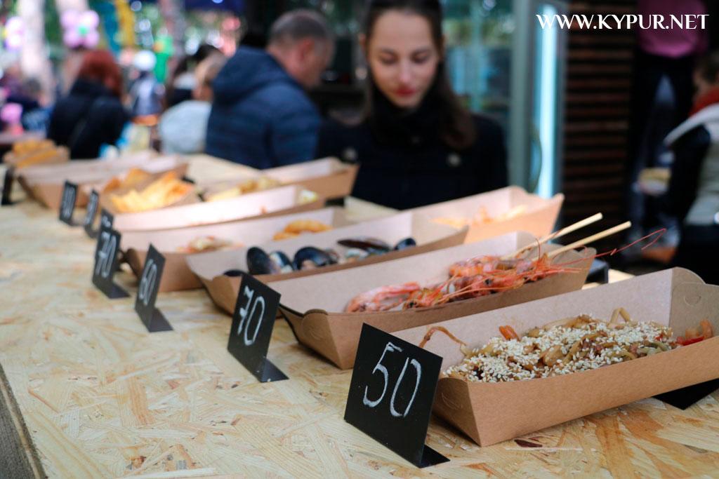 У Кропивницькому триває 5-й фестиваль вуличної їжі. ФОТОРЕПОРТАЖ - 16 - Життя - Без Купюр