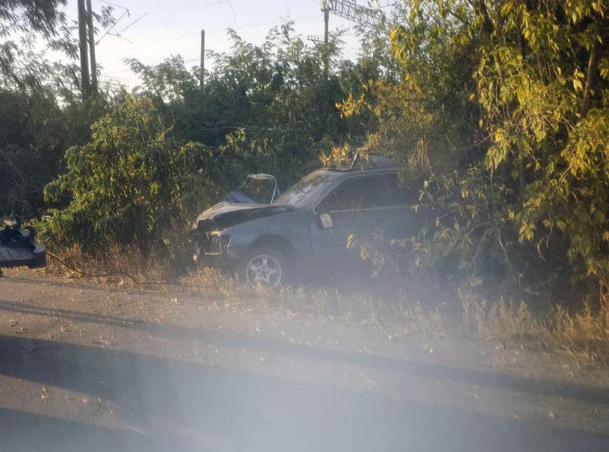 """На Кіровоградщині автівка """"Ford scorpio"""" влетіла у дерево - 2 - За кермом - Без Купюр"""
