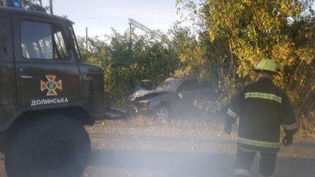 """На Кіровоградщині автівка """"Ford scorpio"""" влетіла у дерево"""