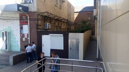 """По тисячі за """"квадрат"""": кропивницькі депутати наддешево """"продали"""" ділянку в центрі міста"""