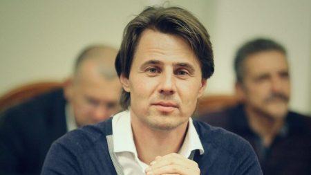 """Комітет ВР """"провалив"""" голосування за проєкт проти """"схем Яценка"""" і завдяки нардепу від Кіровоградщини"""